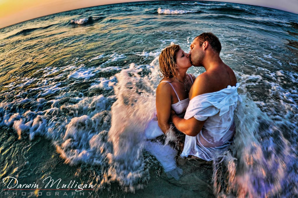 Romantic Kiss, Bride and groom, destination wedding, ocean, sunset, Veradero, Cuba