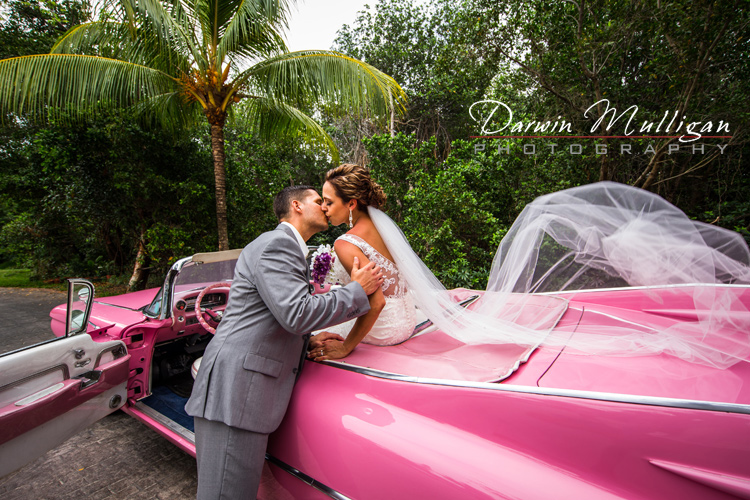Couple-getting-married-in-Varadero-Cuba-with-Pink-Cadillac