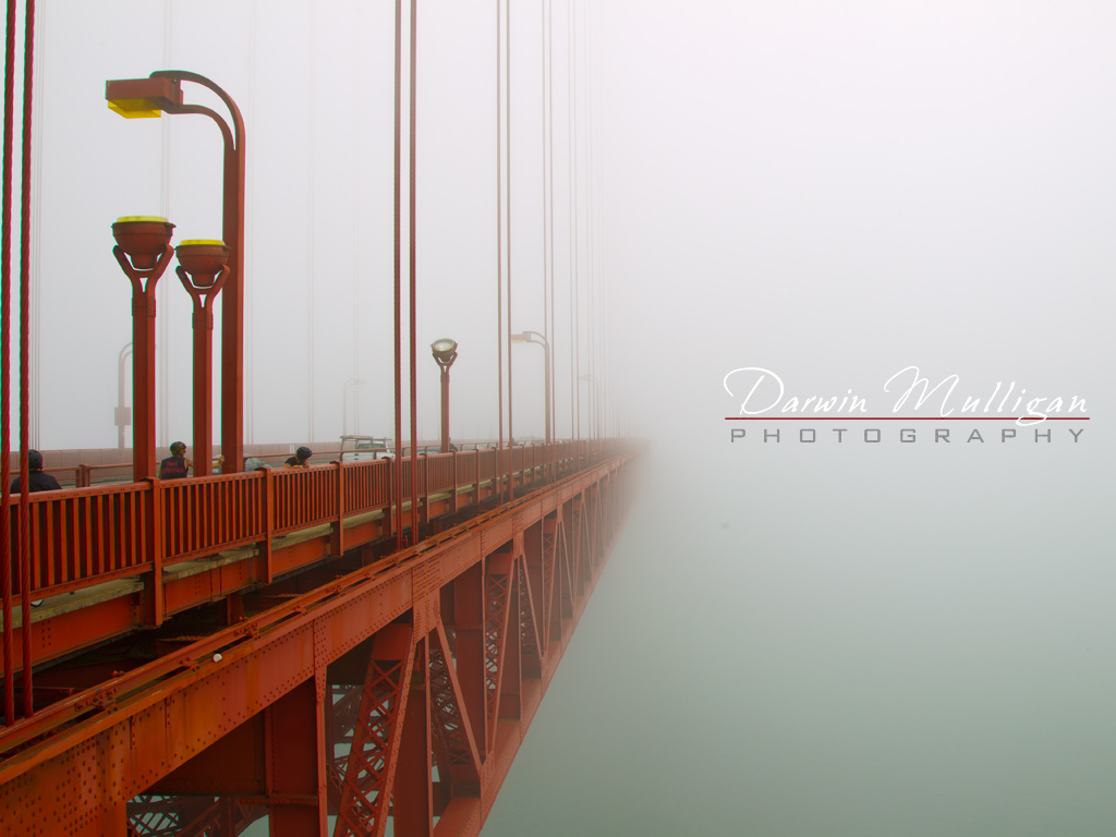 San-Francisco-California-Golden-Gate-Bridge-foggy-day