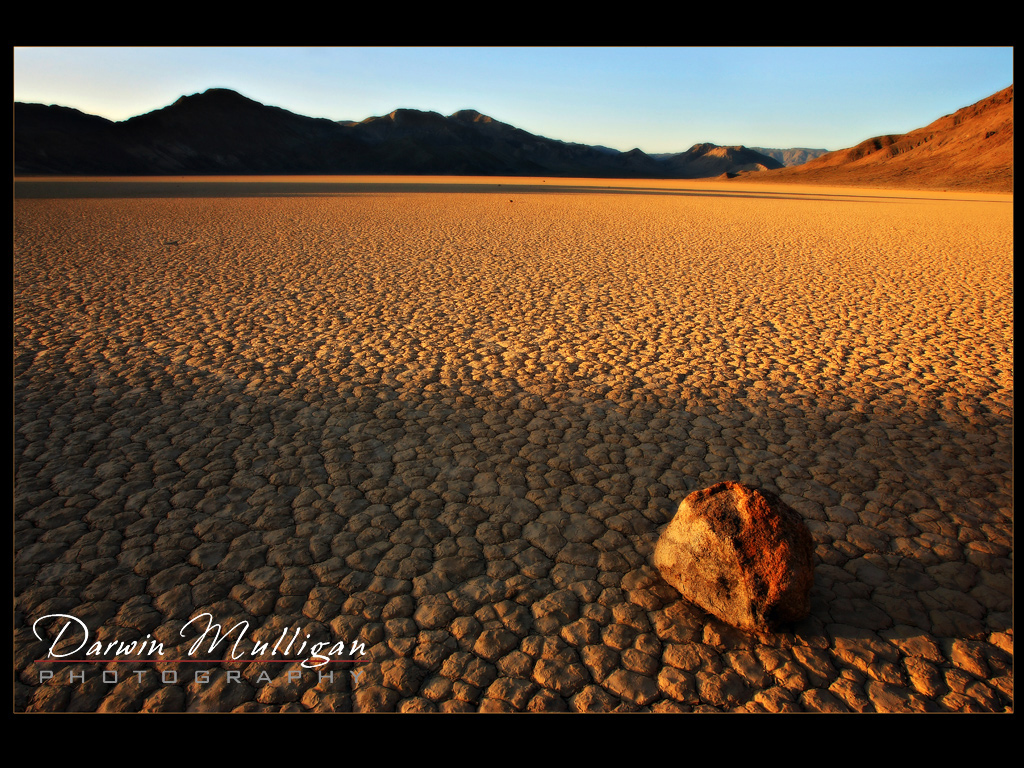 Sunset-Rock-Trails-at-Racetrack-Death-Valley-National-Park-California