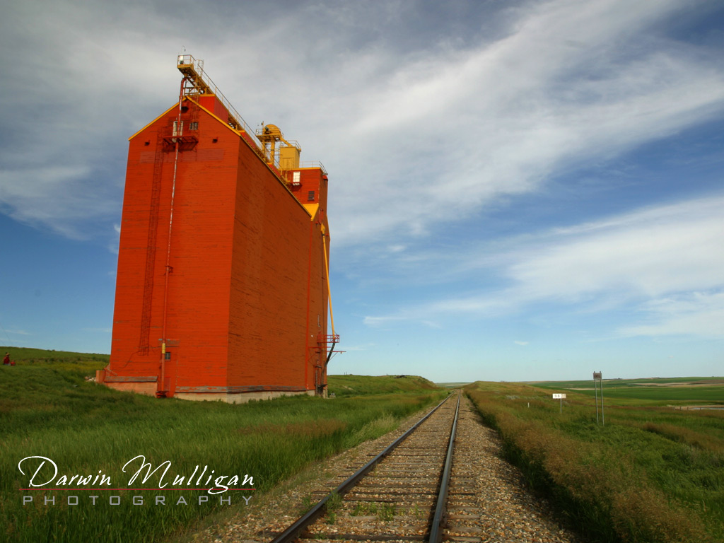 Classic-grain-elevators-are-being-replaced-with-new-ones-Saskatchewan