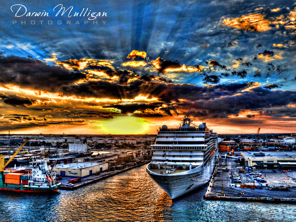 Cruise-ship-at-sunset-Ft-Lauderdale-Florida