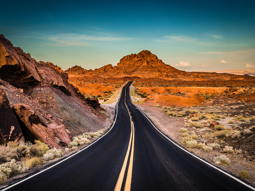 Sunset-highway-Valley-of-Fire-State-Park-Nevada