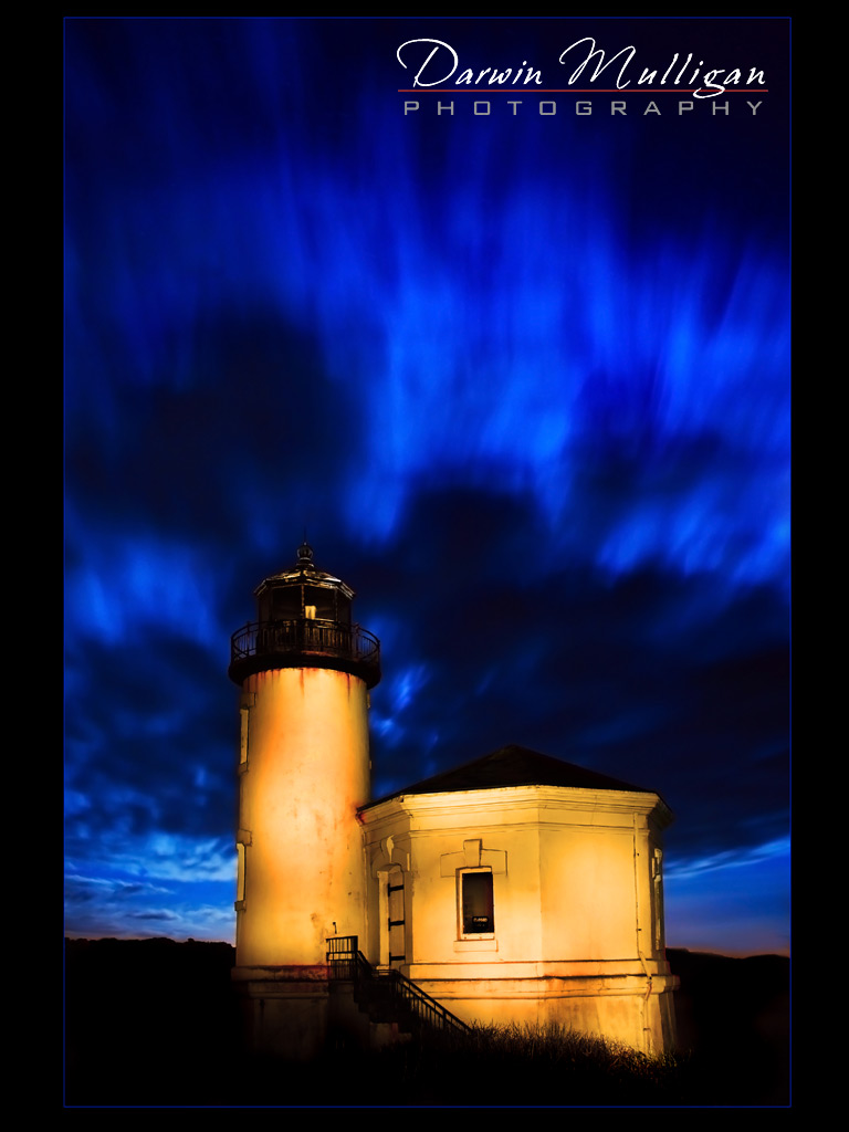 Time-lapse-and-lightpainted-Bandon-Beach-Lighthouse-at-night-Oregon-Coast
