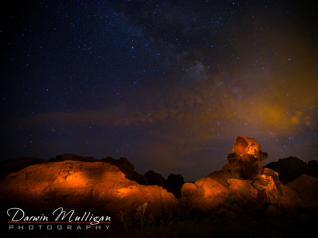 Valley-of-Fire-State-Park-Nevada-Sheep-Rock-at-Night-Lightpainted-with-star-trails